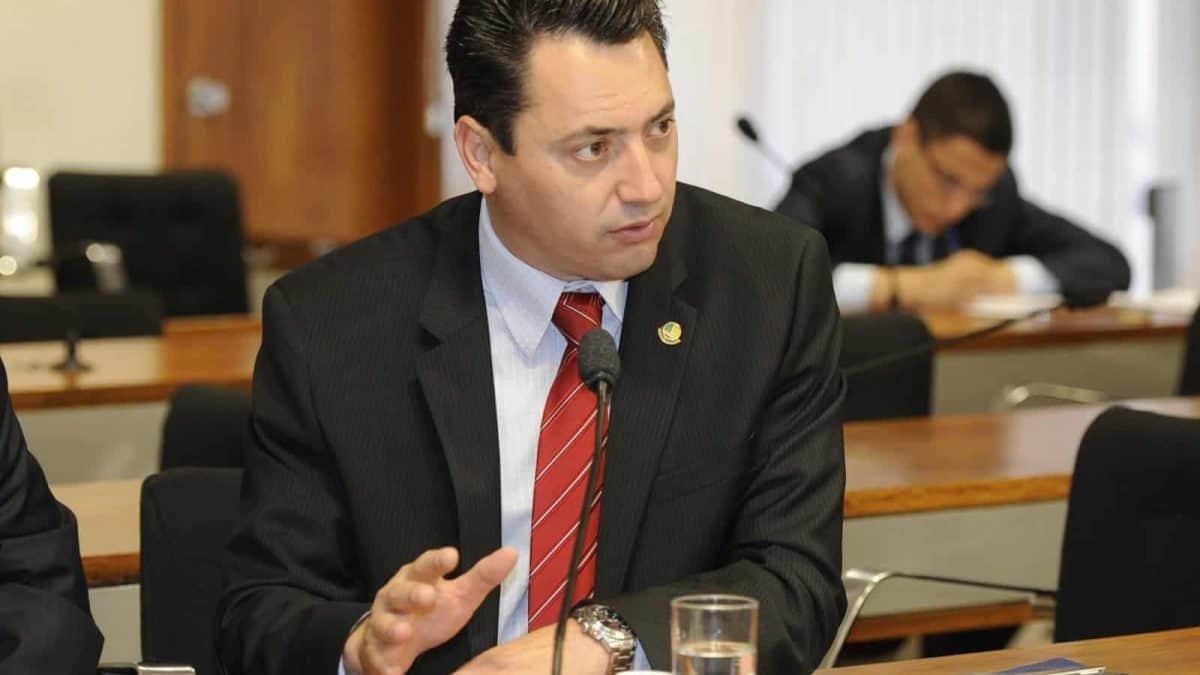 Souza pede votação do marco regulatório dos biocombustíveis