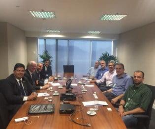 Senador Cidinho e Ubrabio discutem cooperação técnica para testes de biodiesel em veículos
