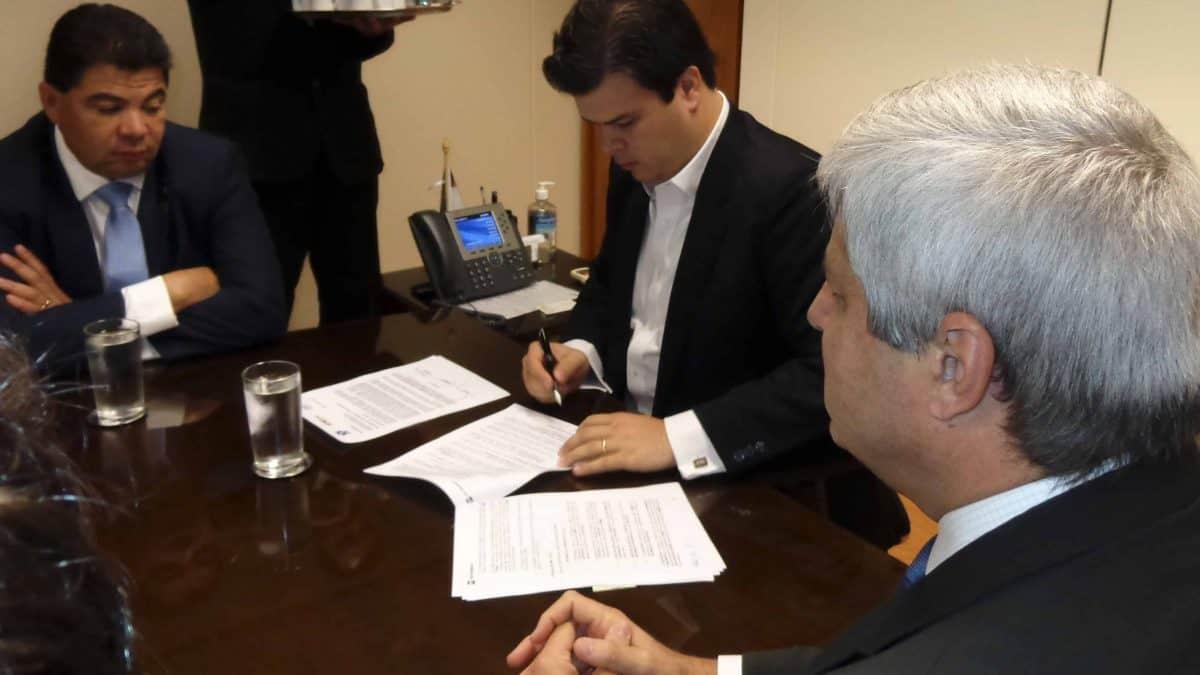 Produtores assinam termo de cooperação para testes de aumento da mistura de biodiesel