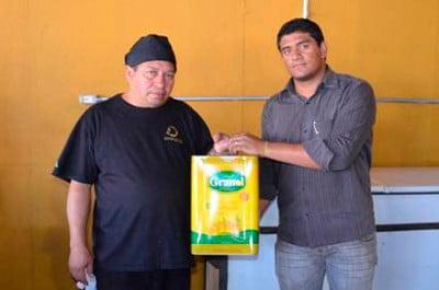 Granol recolhe óleo de fritura na Festa do Peão de Barretos. Todo o óleo será utilizado na produção de biodiesel