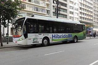 Mercedes-Benz lança primeiro ônibus híbrido brasileiro