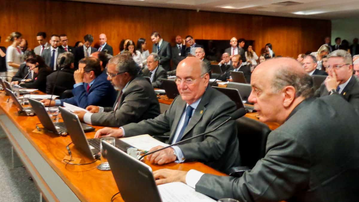 Senado aprova por unanimidade aumento da mistura de biodiesel no Brasil