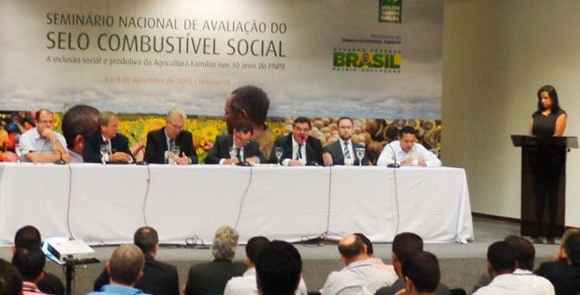 """""""O PNPB constitui um dos grandes programas que o país desenvolveu nos últimos anos, porque é um programa econômico, social e ambiental que aproveita a potencialidade brasileira para a produção de energia renovável"""", destaca o presidente do Conselho Superior da Ubrabio, Juan Diego Ferrés."""