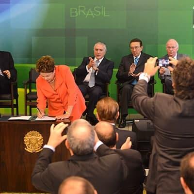 Presidente Dilma assina MP que aumenta mistura de biodiesel