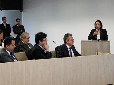 UFV debate produção sustentável de bioquerosene com governo de Minas Gerais
