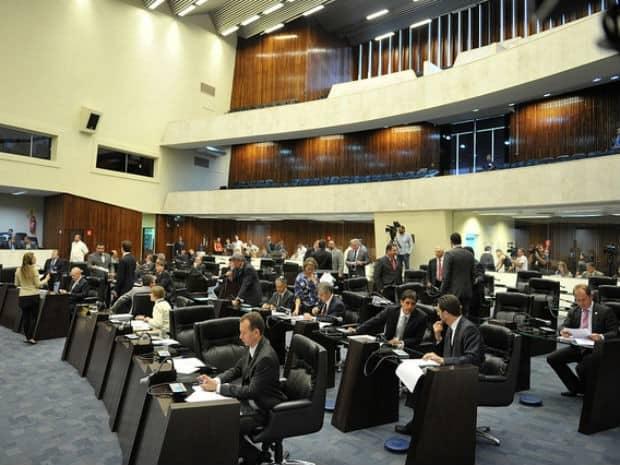 Plenário da Assembleia Legislativa foi transformado em Comissão Geral nesta terça-feira (30) (Foto: Sandro Nascimento/Alep/ Divulgação)