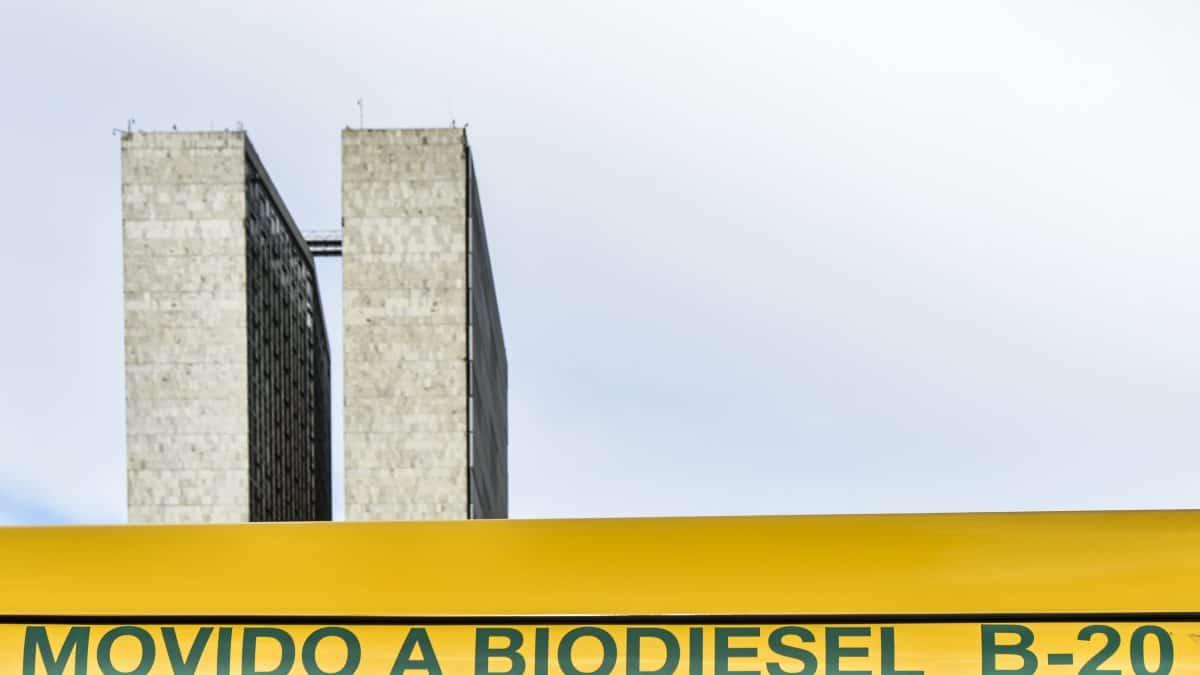 Tailândia incentiva motoristas a usar biodiesel para reduzir poluição