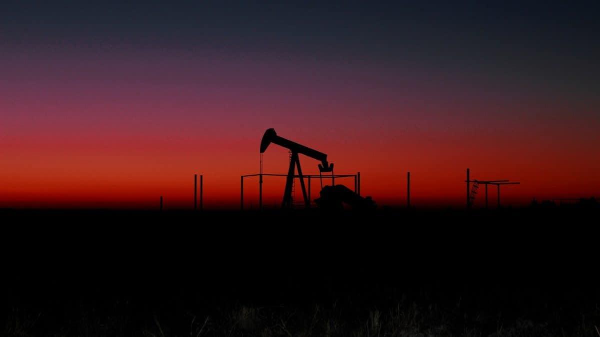Cambridge prevê colapso trilionário dos combustíveis fósseis