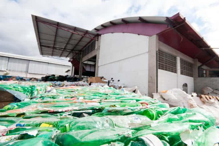 Folha promove fórum que debate economia limpa e combate à poluição