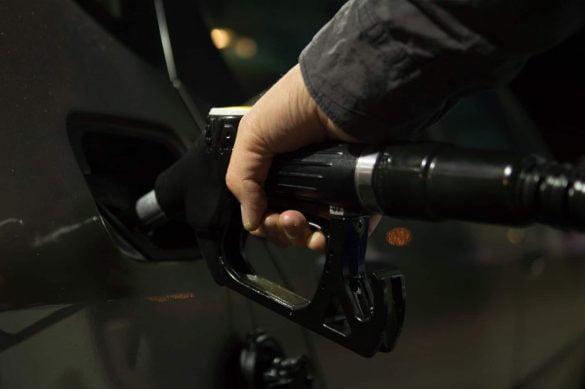 Regiões Sul e Sudeste registram déficit na oferta de diesel, favorecendo a negociação entre distribuidoras, dinâmica que deve continuar até o fim do mês