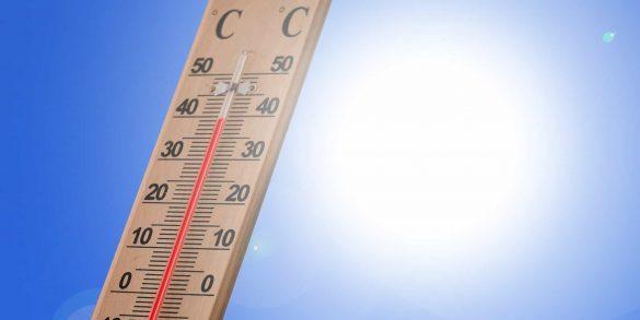 2016 provavelmente será o ano mais quente dos tempos modernos, após o gelo do mar em ambos os polos ter atingido mínimos recordes