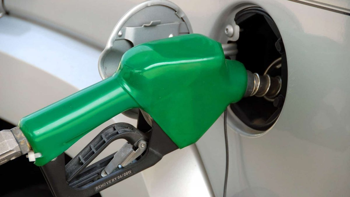 Clipping 1ª edição: Bolsonaro desafia governadores e diz que zera impostos sobre combustível se eles zerarem o ICMS