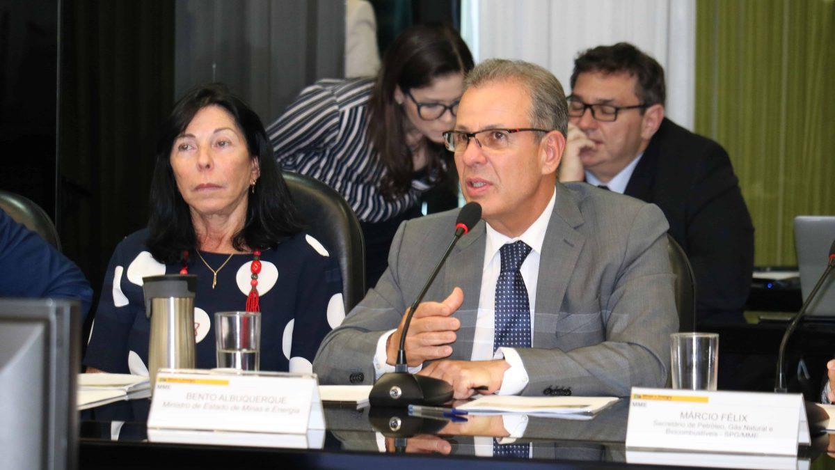 Clipping 1ª edição: Ministro defende preservação de políticas de biocombustíveis