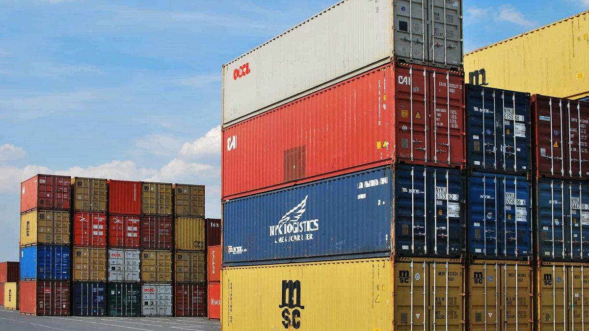 Clipping 1ª edição: China suspende compra de produtos agrícolas dos EUA