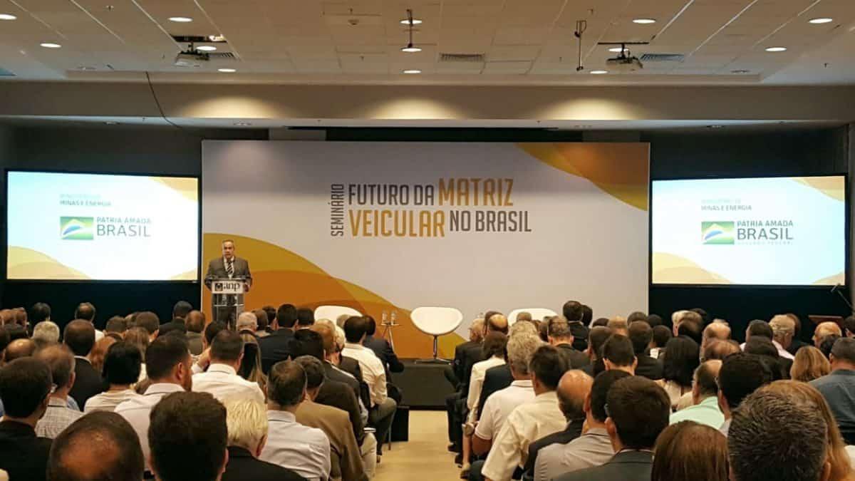 """Confira as apresentações do seminário """"Futuro da Matriz Veicular no Brasil"""""""