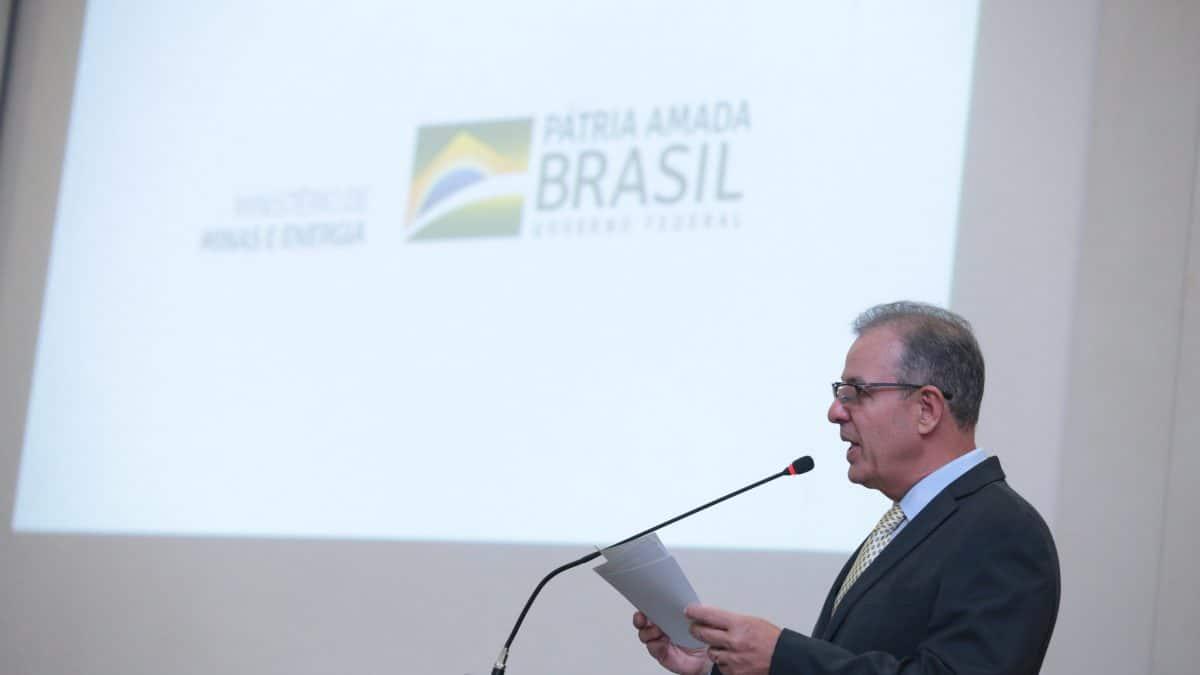 Ministro Bento Albuquerque hoje (24) novo programa para o setor de abastecimento