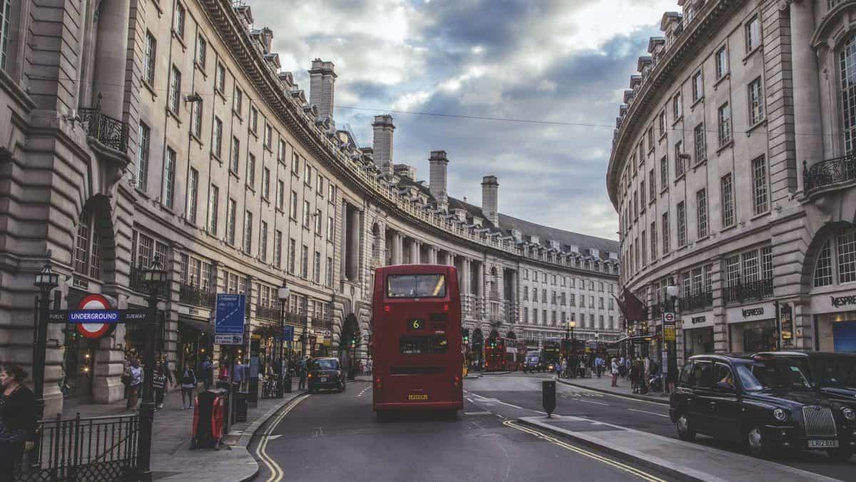 Londres irá implementar zona permanente livre de emissões de carbono