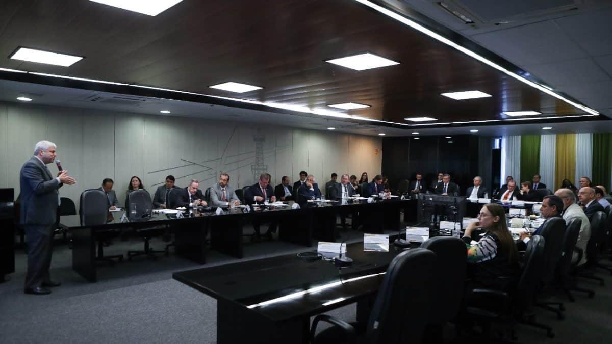 CNPE aprova Resolução para promover livre concorrência no abastecimento de combustíveis