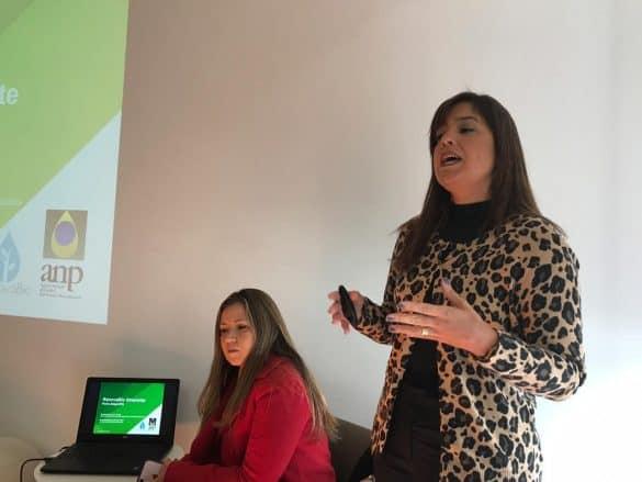 Maria Auxiliadora Nobre, especialista em Regulação da ANP e Danielle Conde, superintendente adjunta de Biocombustíveis e Qualidade de Produtos