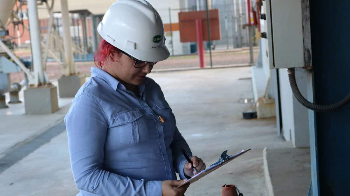 Clipping 1ª edição: Indústria do Brasil sobe 0,8% em agosto após 3 quedas