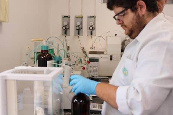 Laboratório da unidade de produção de biodiesel da Granol - Foto: Michael Danglen/Ubrabio