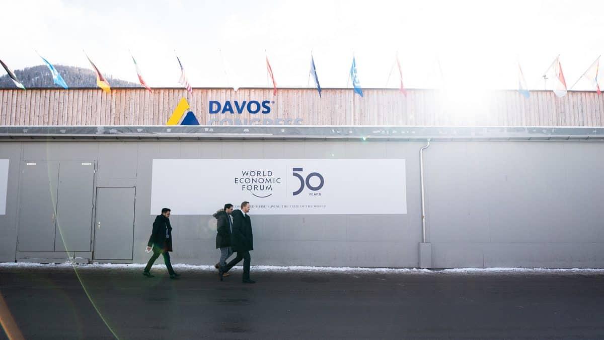 """Clipping 1ª edição: O """"novo capitalismo"""" de Davos"""