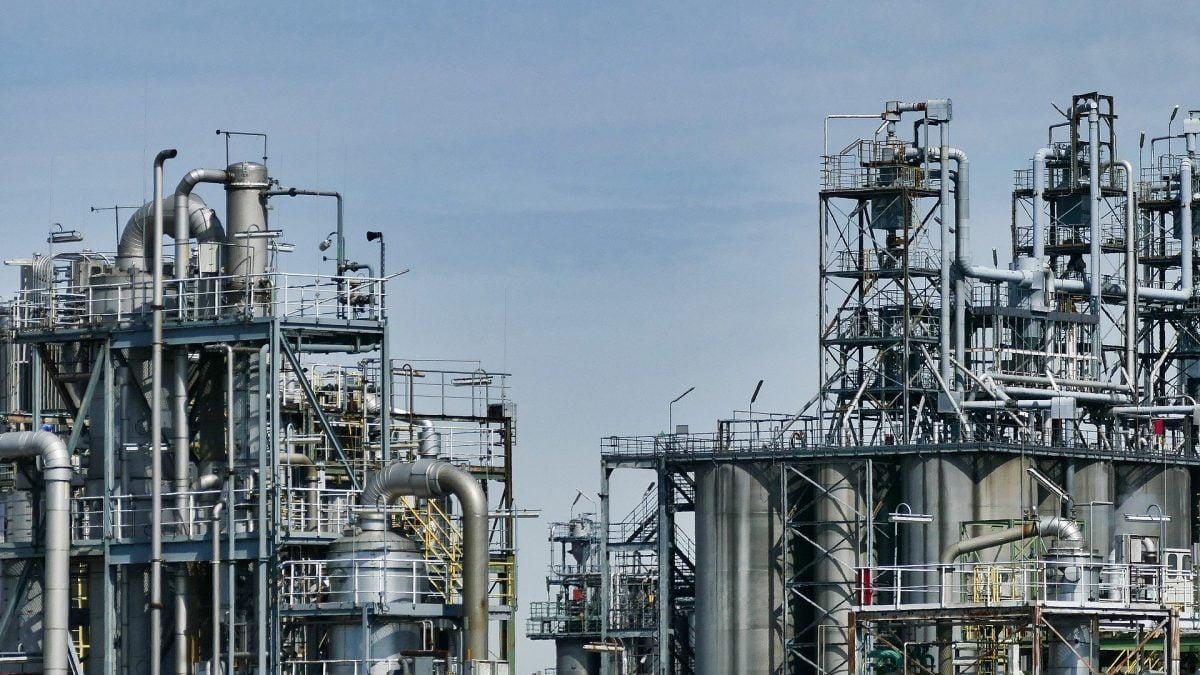 Clipping 1ª edição: Fator de utilização das refinarias atinge maior patamar desde o início da crise
