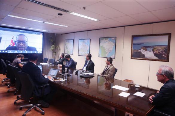 Bento Albuquerque e Ministro de Energia do Reino Unido assinam Memorando de Entendimento sobre energias renováveis