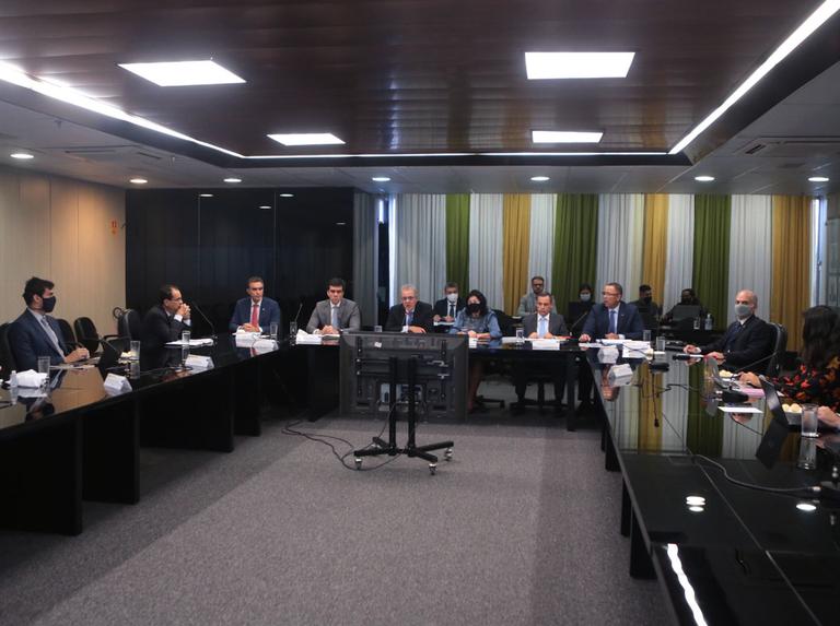 Clipping 1ª edição: Resolução do CNPE estabelece diretrizes para o monitoramento do abastecimento nacional de combustíveis