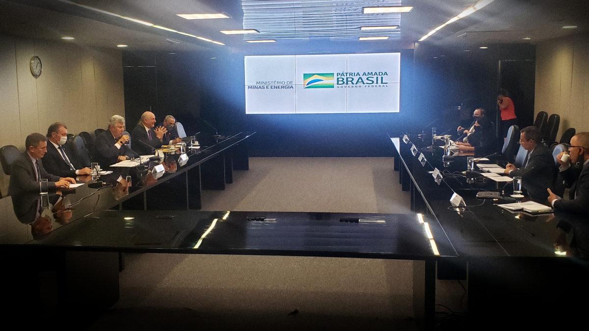 Indústria alerta governo para risco do setor com redução do percentual de biodiesel ao diesel de petróleo
